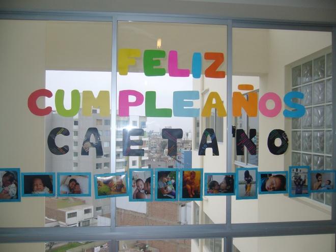Celebrar el cumpleaños de los peques? Decora con fotos la fiesta de cumpleaños :)