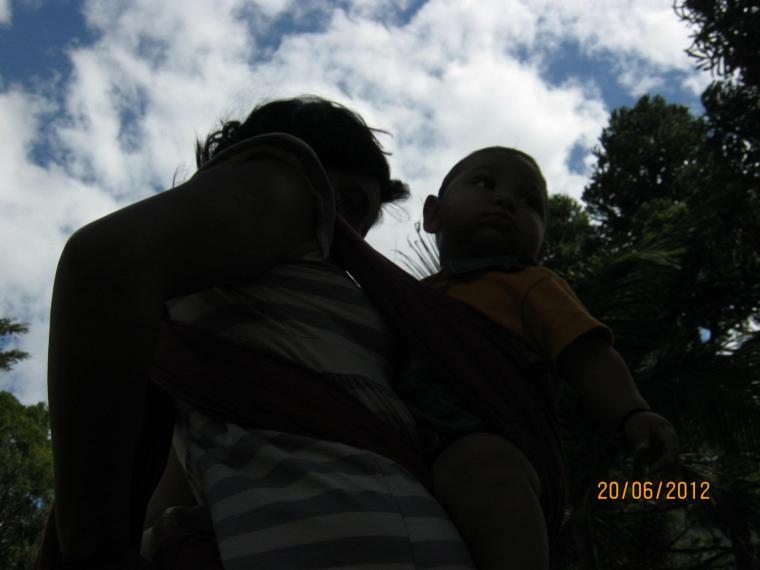 Preparándonos para seguir con nuestra caminata (Villarrica 2012)